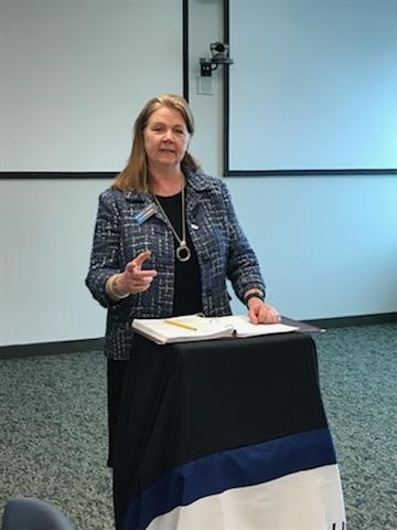 Attorney Marlaine Teahan speaking at ICBA meeting